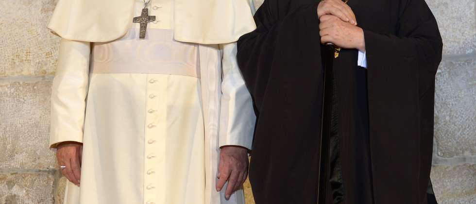 Pope Francis and Orthodox Patriarch Bartholomew I in Jerusalem ( )