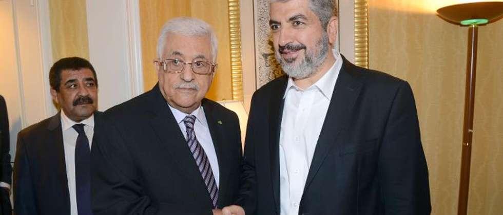لقاء عباس ومشعل في الدوحة ( ثائر غنيم (اف ب) )