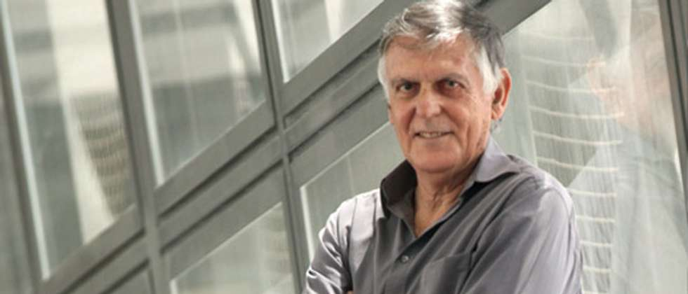 Nobel Prize in Chemistry winner Dan Schechtman announced his intentions to run for Israeli presidency in the 2014 elections ( nobelprize.org )